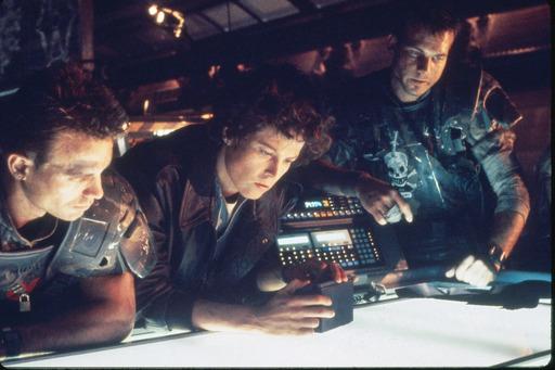 Elokuva: Aliens - paluu