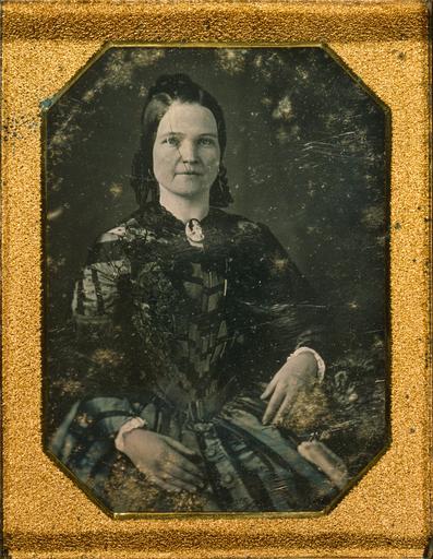 Historia: Ensimmäiset naiset
