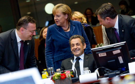 Eurooppa kuohuu: Eurokriisi