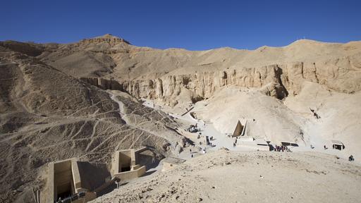 Historia: Tutankhamonin perintö