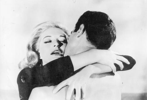 Kino Klassikko: Alaston suudelma