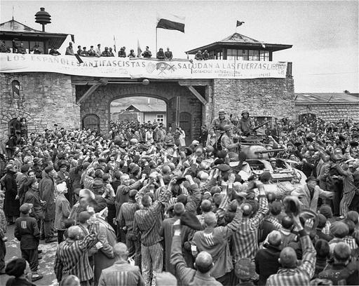 Historia: Keskitysleirin valokuvaaja